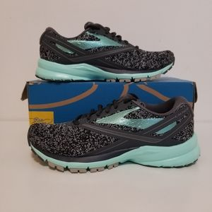 Brooks Energize Sneakers